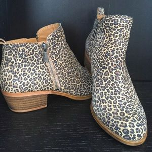 Lucky Brand- Basel Leopard Suede booties